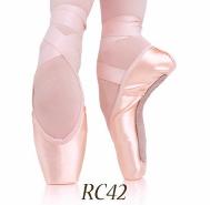 RC42 R-Class Pointe Shoe